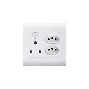 Lesco Cover Strip Monobloc Hi-Impact Single Switched Socket 1x16A
