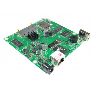 RouterBOARD 911 Lite2 with 1 10/100 LAN port, 2.4GHz radio and 1 MMCX connector