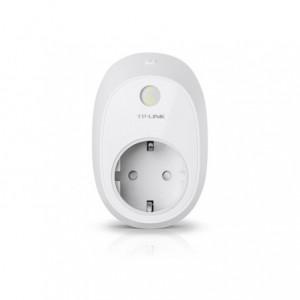 TP-Link Kasa Wi-Fi Smart Plug with Energy Monitoring